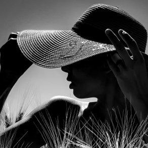 Joel Sanguinetti Creates Humanly Black and White Portrait Photography Main