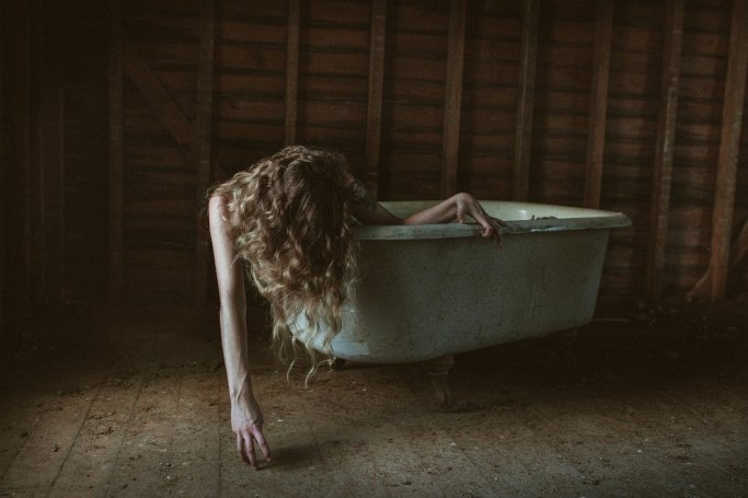 Abandoned America Intimate Portrait Photography By Justin Sellers Jesslyn 7