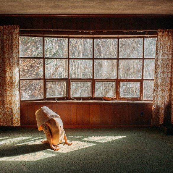 Abandoned America Intimate Portrait Photography By Justin Sellers Kristie Main
