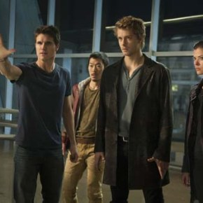 "The Tomorrow People -- ""Pilot"" -- Image Number: TP100A_0453.jpg --Pictured (L-R): Robbie Amell as Stephen, Aaron Woo as Russell, Luke Mitchell as John and Peyton List as Cara -- Photo: Barbara Nitke/The CW -- © 2013 The CW Network, LLC. All rights reserved."