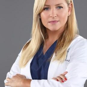 """GREY'S ANATOMY - ABC's """"Grey's Anatomy"""" stars Jessica Capshaw as Dr. Arizona Robbins. (ABC/BOB D'AMICO)"""