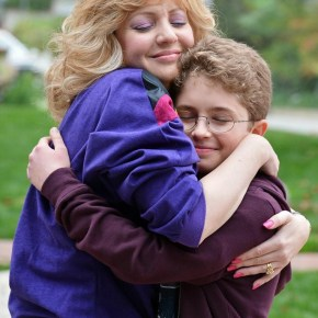 """THE GOLDBERGS - """"The Goldbergs"""" stars Wendi McLendon-Covey (""""Bridesmaids"""") as Beverly, Jeff Garlin (""""Curb Your Enthusiasm"""") as Murray, George Segal (""""Don't Shoot Me"""") as Pops, Hayley Orrantia (""""The X Factor"""") as Erica, Sean Giambrone as Adam and Troy Gentile (""""Good Luck Chuck"""") as Barry. """"The Goldbergs"""" was written and executive-produced by Adam F. Goldberg (""""Breaking In,"""" """"Fanboys"""") and also executive produced by Doug Robinson. The pilot was directed by Seth Gordon (""""Identity Thief,"""" """"Horrible Bosses""""). """"The Goldbergs"""" is from Adam Sandler's production company, Happy Madison, and is produced by Sony Pictures Television.  (ABC/Eric McCandless)"""