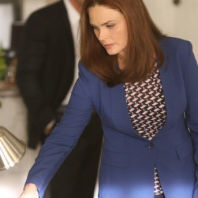 "BONES: Brennan (Emily Deschanel) investigates the murder of a state department accountant, whose remains were found in a hotel air conditioning unit in the ""The Secrets in the Proposal"" season premiere episode of BONES airing Monday, Sept. 16 (8:00-9:00 PM ET/PT) on FOX. ©2013 Fox Broadcasting Co.  Cr: Patrick McElhenney/FOX"