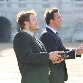 "PARKS AND RECREATION -- ""London"" Episode 601/602 -- Pictured: (l-r) Chris Pratt as Andy Dwyer, Peter Serafinowicz as Lord Edgar Covington -- (Photo by: Tim Whitby/NBC)"