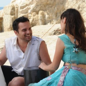 "NEW GIRL:  Jess (Zooey Deschanel, R) and Nick (Jake Johnson, L) decide to go ""all in"" with their relationship, which leads them to run away to a Mexican beach town in the ""All In"" season premiere episode of NEW GIRL airing Tuesday, Sept. 17 (9:00-9:30 PM ET/PT) on FOX. ©2013 Fox Broadcasting Co. Cr: Ray Mickshaw/FOX"