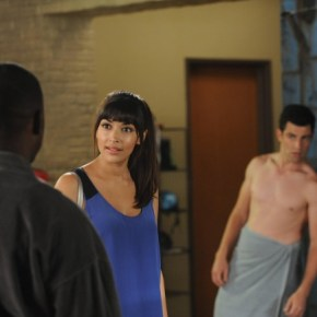 "NEW GIRL:  Schmidt (Max Greenfield, R) makes a decision about his relationship with Cece (Hannah Simone, C) in the ""All In"" season premiere episode of NEW GIRL airing Tuesday, Sept. 17 (9:00-9:30 PM ET/PT) on FOX. ©2013 Fox Broadcasting Co. Cr: Ray Mickshaw/FOX"
