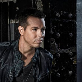Jon Seda as Det. Antonio Dawson