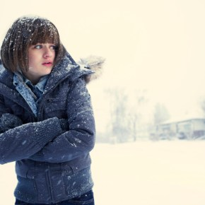 Pictured: Joey King as Greta Grimley -- CR. Matthias Clamer/FX