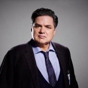 CHICAGO MED -- Season: 1 -- Pictured: Oliver Platt as Dr. Daniel Charles -- (Photo by: Paul Drinkwater/NBC)