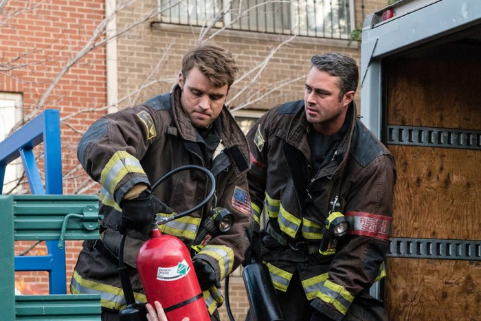 "CHICAGO FIRE -- ""Short & Fat"" Episode 409 -- Pictured: (l-r) Jesse Spencer as Matthew Casey, Taylor Kinney as Kelly Severide -- (Photo by: Elizabeth Morris/NBC)"