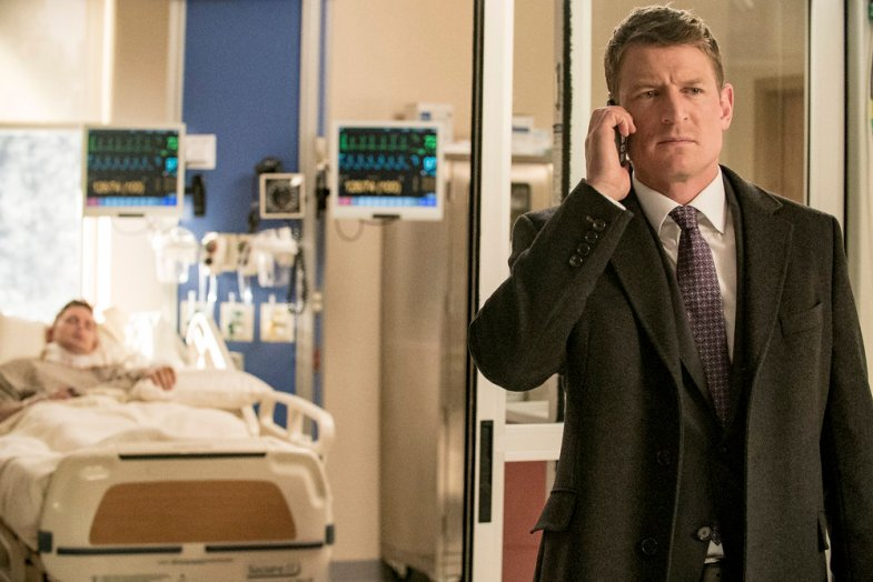 "CHICAGO P.D. -- ""Justice"" Episode 321 -- Pictured: Philip Winchester as Peter Stone-- (Photo by: Matt Dinerstein/NBC)"