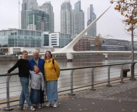 Family shot in front of the Puente de las Mujeres