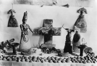 Things from The Temple Repositories of Knossos palace, including two famous snake goddesses soon after its discovering in 1903 Source Evans, A.J. (1921-35). The Palace of Minos - Volumes 1-4.