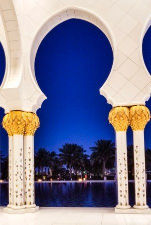 Best time to shoot the Grand Mosque in Abu Dhabi