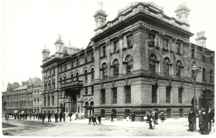 Royal Exchange building (1900)