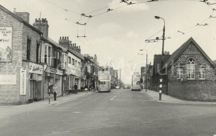 Smeaton Street, the school and trolley bus service