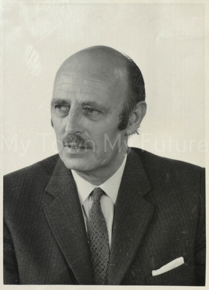 Mr W F Ainsworth
