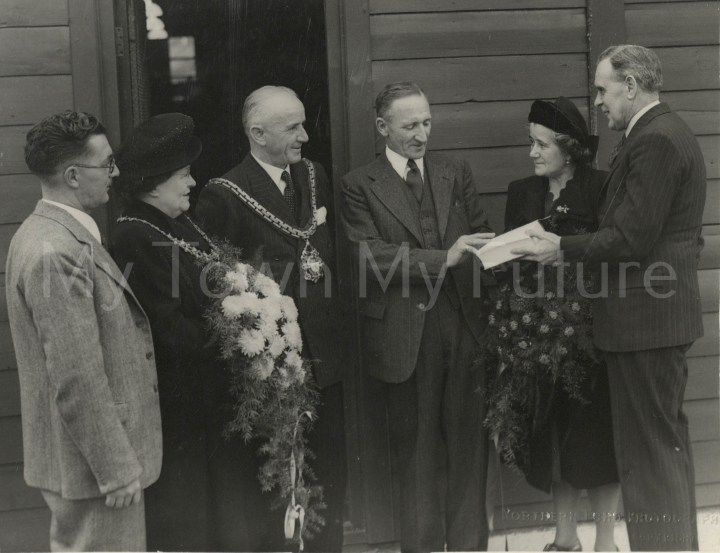 Whinney Banks Community Centre & Library Opening, 1948, Northern Echo Newspaper