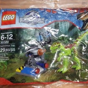 LEGO Jurassic World Gallimimus Trap Set 29 Piece (30320) NEW