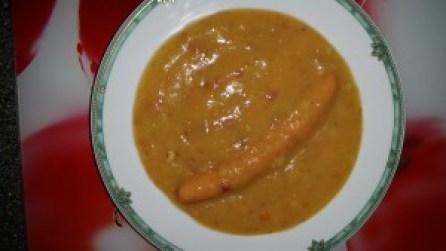 Kartoffelsuppe mit Speck und Würstchen