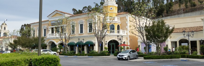 Shopping in den Commons Calabasas
