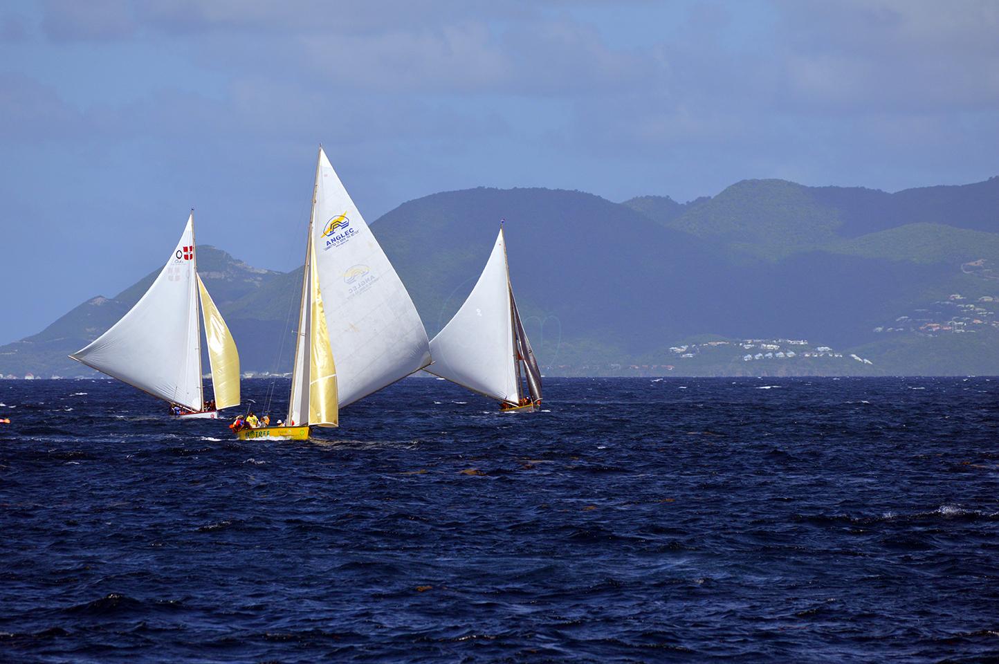 Leading Three Boats of Boat Race