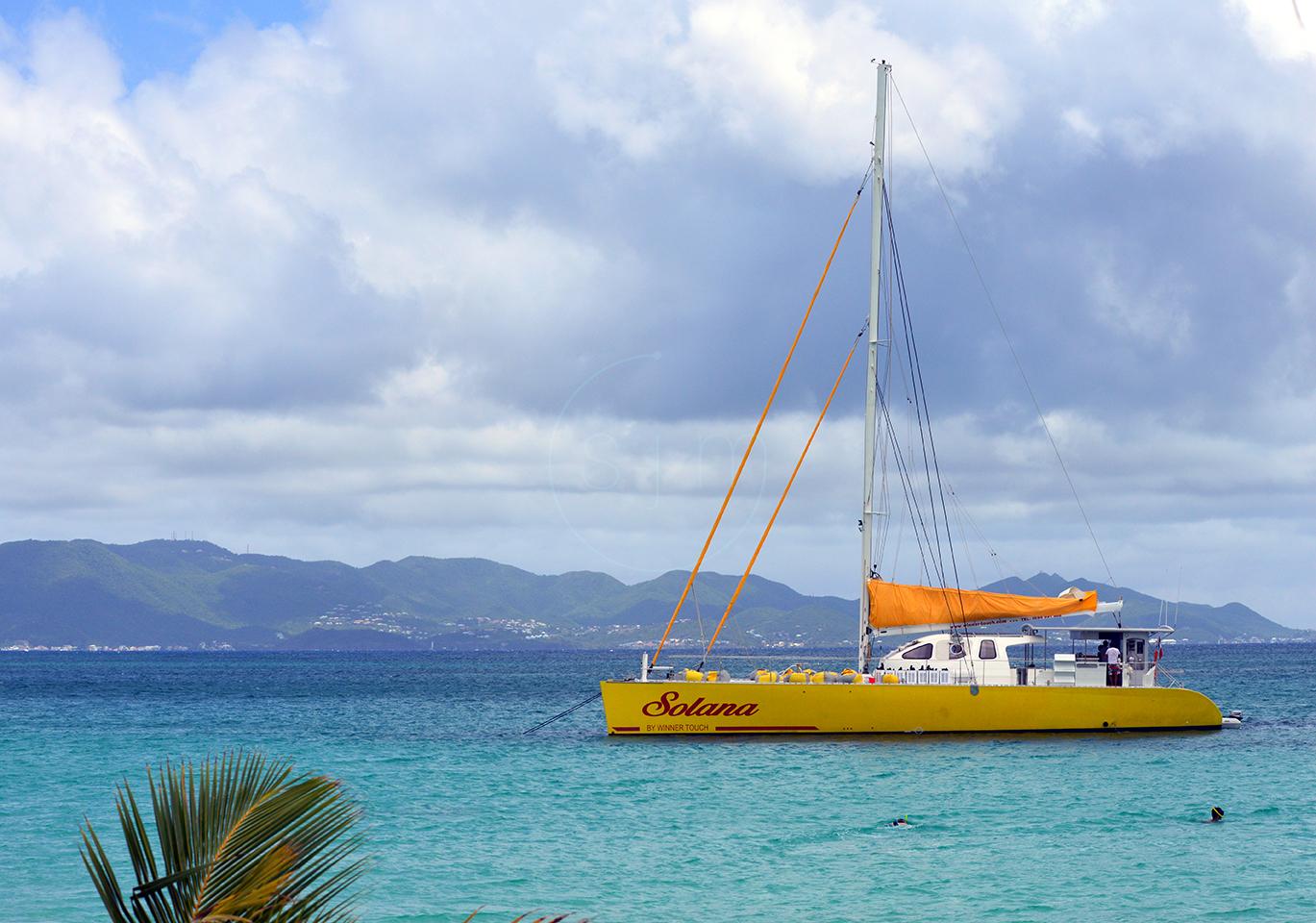 Catamaran Docking on Rendezvous Bay