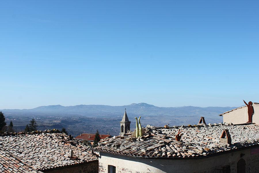installazioni sui tetti di Torre Alfina
