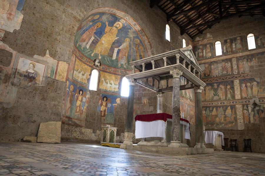 Castel SantElia arte romanica nella Tuscia