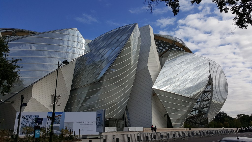 Luis Vuitton foundation, fondation luis vuitton, futuristic architecture, Bois de Boulogne, art, architecture, Paris, France