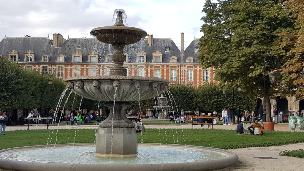 Place Vosges, Paris, France, old neighborhood, fountain, architecture, park, garden, arcades