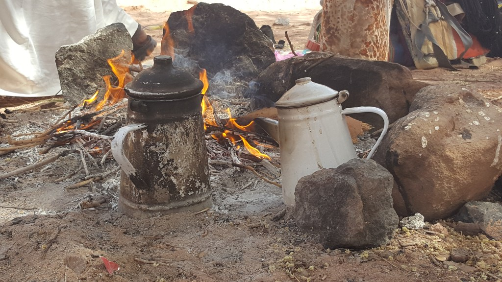 pots, tea, camp fire, hiking, bedouins, lunch, Egypt, Sinai trail