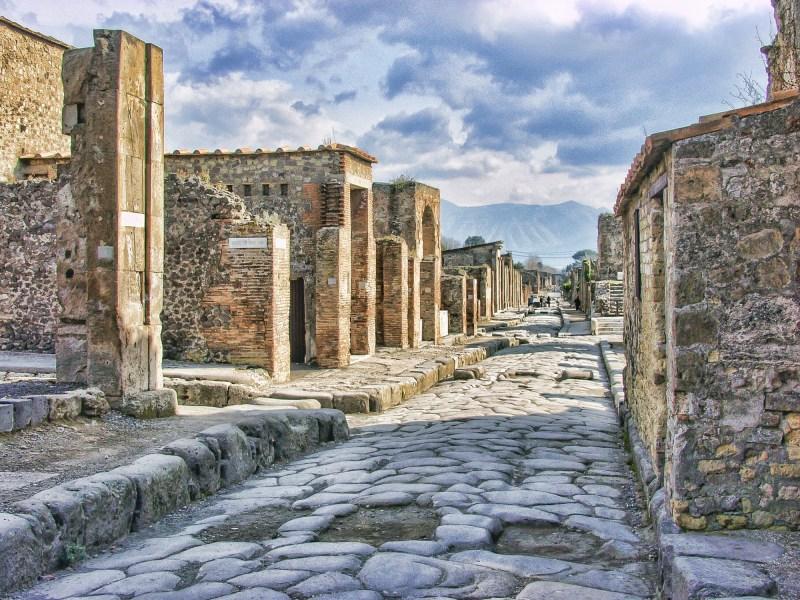 Spending 1 day in Pompeii, Italy | how long to spend in pompeii, mt vesuvius, herculaneum