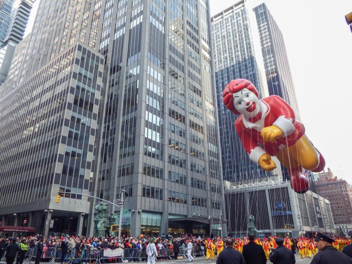 Do This, Not That // Macy's Thanksgiving Day Parade tips | Ronald McDonald balloon at the Macy's Thanksgiving Day Parade in New York City