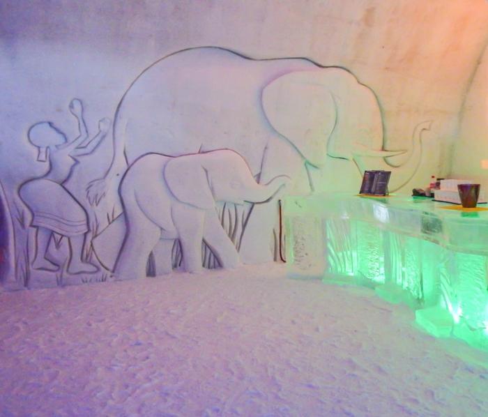Hôtel de Glace // Straight Chillin' at Québec City's Ice Hotel | Québec City's ice hotel | The Amarula bar