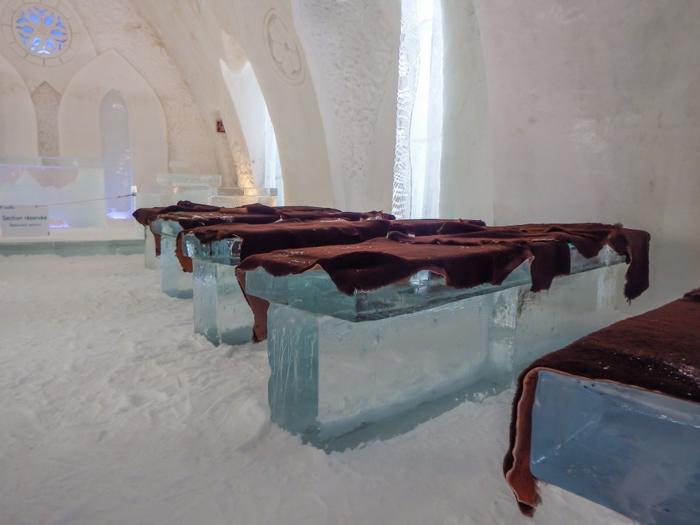 Hôtel de Glace // Straight Chillin' at Québec City's Ice Hotel | Québec City's ice hotel | The chapel | Ice pews