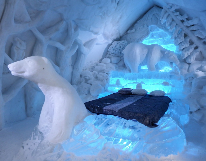Hôtel de Glace // Straight Chillin' at Québec City's Ice Hotel | Québec City's ice hotel | ice bed | The polar bear suite