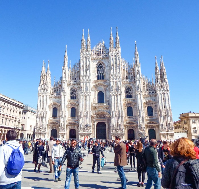 Milan cathedral | How to NOT guide for getting robbed abroad | What to do before, during, and after getting robbed abroad. Pickpocketing in Europe, travel insurance, etc. #traveltips #europe