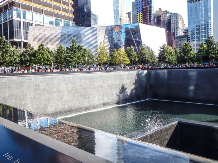 the reflecting pools of the 9/11 Memorial in downtown Manhattan, New York City // remembering September 11th, 2001