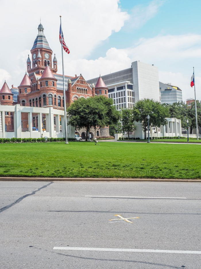 Site of the JFK assassination in Dallas, Texas // Dealey Plaza and the Sixth Floor Museum // Part of the Dallas CityPASS