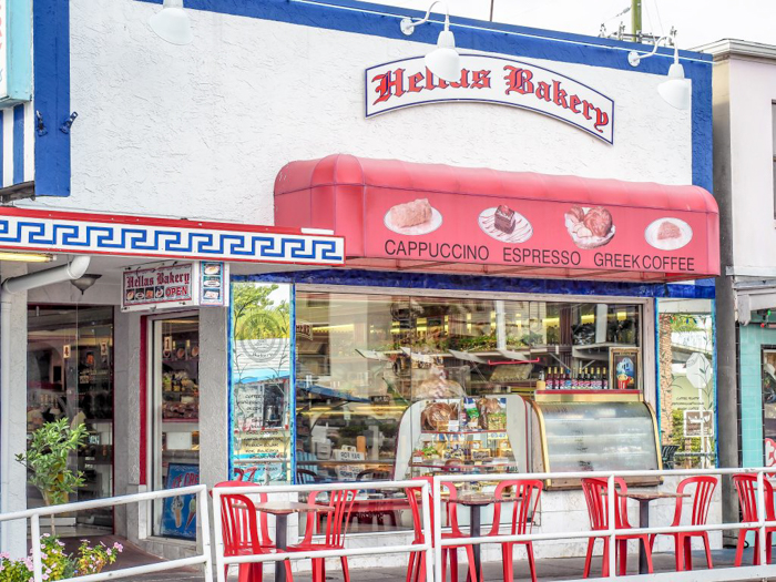Greeking out at the Tarpon Springs Sponge Docks | What to do in the Tampa Bay area | Greek community | Greek food | Sponge capital of the world | Where to eat in Tarpon Springs Sponge Docks | Hellas Restaurant and Bakery