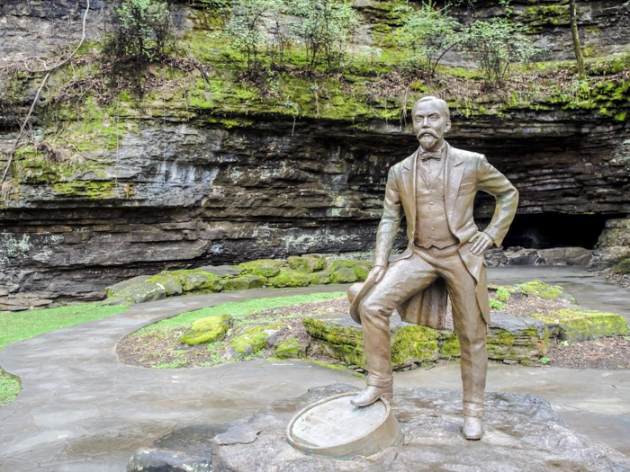 Jack Daniel's Distillery tour in Lynchburg, Tennessee | Tennessee Whiskey | perfect day trip from Nashville | Southern lunch at Miss Mary Bobo's Boarding House | Jack Daniel's Honey | Jack Daniel's Fire | Gentlemen Jack | Jack Daniel's Single Barrel Select | Old no. 7 | statue cave spring