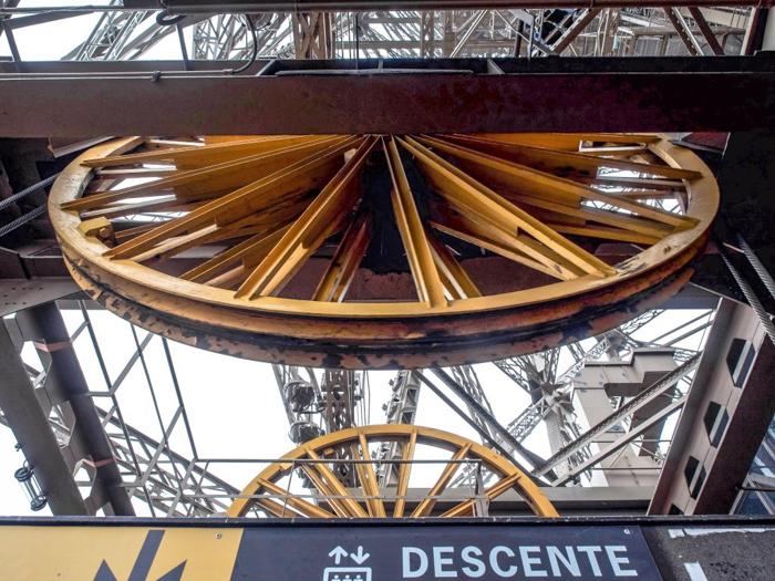 3 days in Paris, France | Paris Museum Pass | Paris Passlib' | Paris Visite | Eiffel Tower | elevator wheel