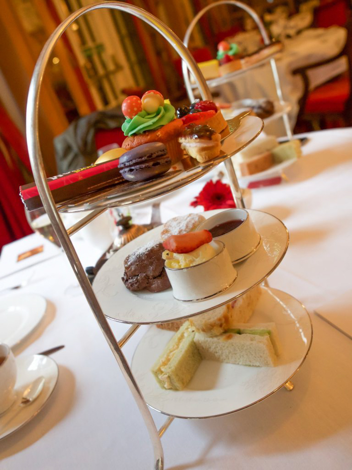 Charlie and the Chesterfield | Willy Wonka and the Chocolate Factory | Afternoon Tea | London, United Kingdom | Chesterfield Mayfair Hotel | Red Carnation Hotel Collection | food and treats