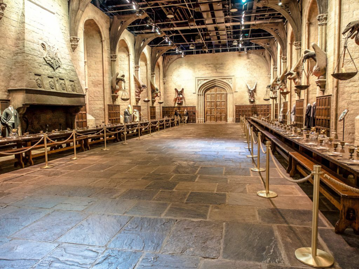 Do This, Not That // Harry Potter Studio Tour | Leavesden, London, UK | Harry Potter film studio and set | Things to do in London | What to do in London | What to see in London | Hogwarts great hall