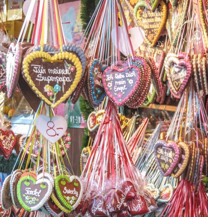 gingerbread heart cookies | lebkuchenherz | Anatomy of a dirndl at Oktoberfest in Munich, Germany | How to Dress for Oktoberfest | what to wear | Munich, Germany | dirndl | lederhosen | trachten | beer festival | tents | costume |