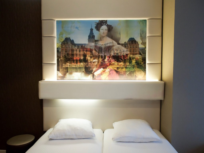 Artistic head board at the Hotel Mosaic City Centre | Amsterdam, Netherlands