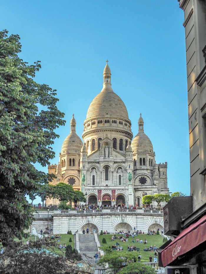 When is the best time to visit Paris, France? Here is a summer vs. winter showdown. Hotel and airfare costs and room availability | Crowds and lines at popular museums, monuments, and attractions | Weather conditions | Sacre Couer | Montmartre