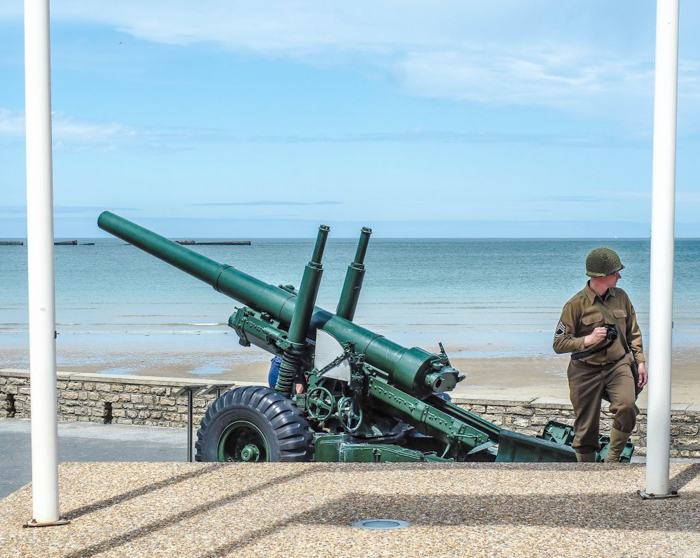 The best D-Day sites to visit in Normandy, France | WWII | WW2 | Arromanches | army soldiers and gun