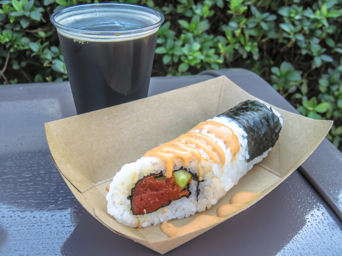What to pack for the Epcot Food and Wine Festival | Epcot Center, Disney World, Orlando, Florida | What to wear, what to bring, what to leave at home, and how NOT to look like a crazy person | Apparel, shoes, misc. | japan